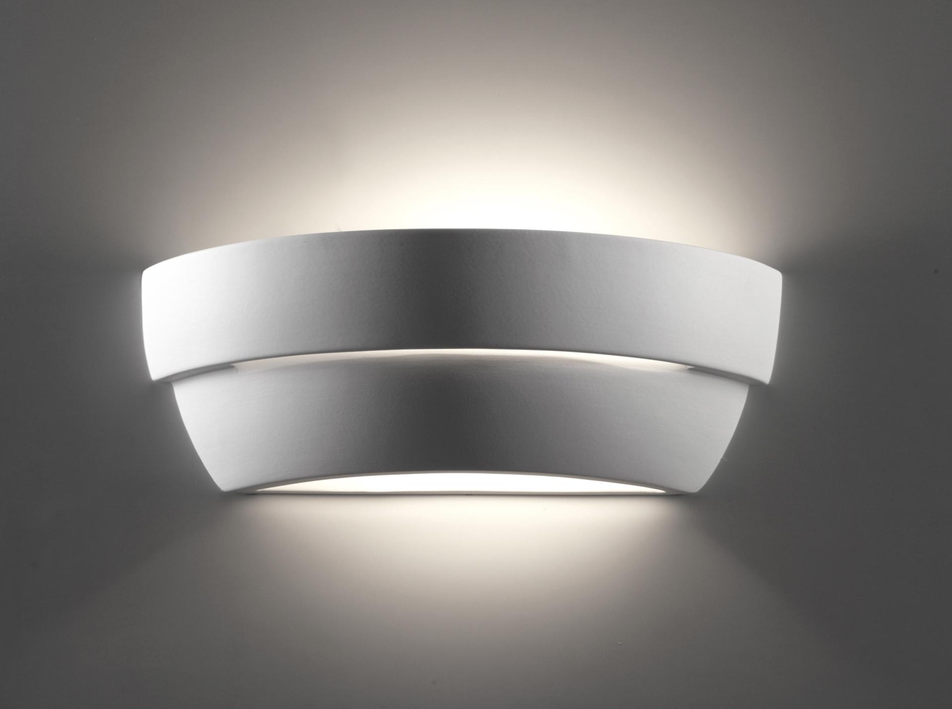 Illuminare casa con applique da parete in gesso e in ceramica